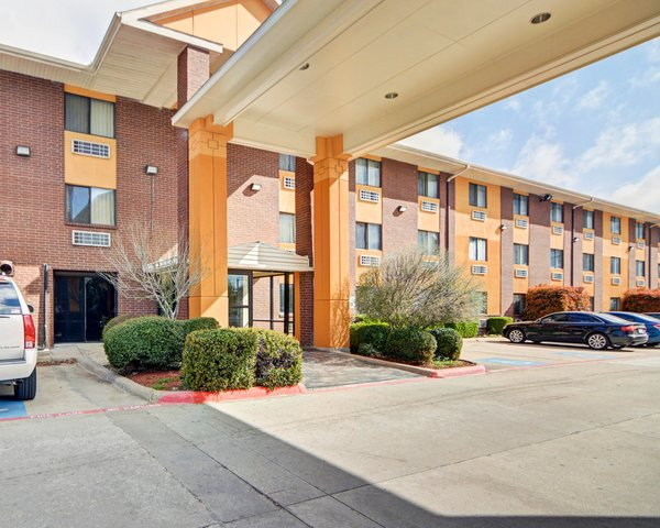 Ramada - DFW Airport North Irving